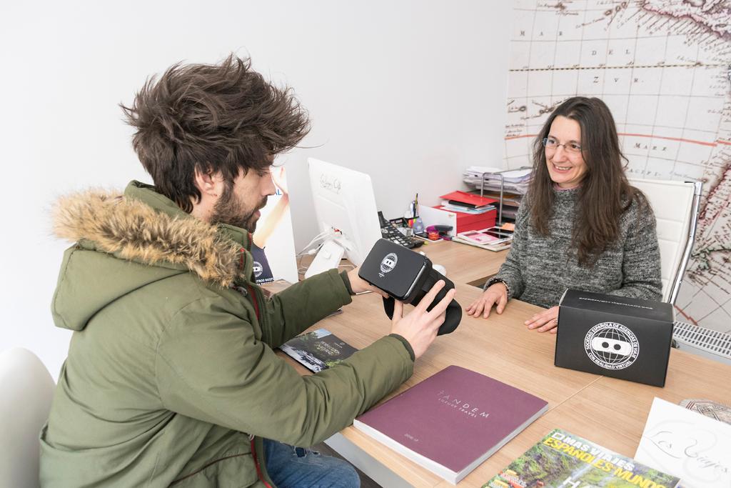 Los viajes de Elke nos muestra la realidad virtual en su agencia